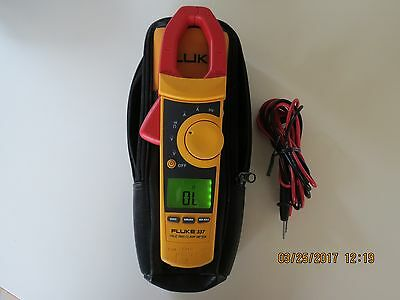 Fluke 337   True Rms  Clamp Meter   337A  In MINT Condition.
