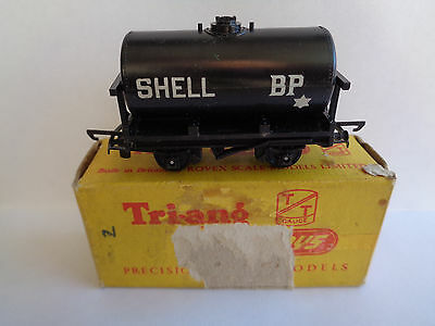 TRIANG TT Gauge Railway T75 Shell oils black tank / tanker -  comes boxed