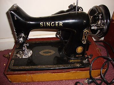 Vintage Antique Early 1900's SINGER Sewing Machine