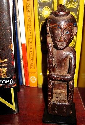 Ancient wooden spirit figure on a metal display stand - MOLUCCAS !!!