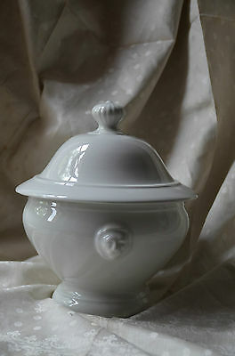 Classic French white ceramic/porcelain soup tureen