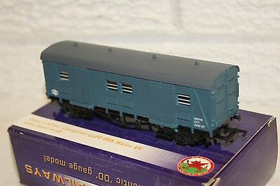 OO gauge VN MINT Dapol B340 CCT Utility Parcels Van in BR Blue S2514S UNUSED