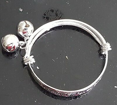 BABY SILVER SOMEBODY LOVES ME BANGLE BRACELET Birthday Christening Gift 0-6 YEAR