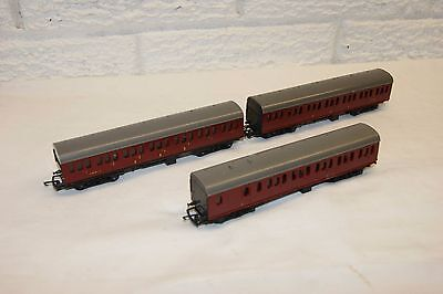 TT gauge 3mm GOOD/EXCELLENT 3x Triang Suburban Coach Brake Comp Maroon