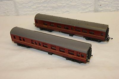 TT gauge 3mm GOOD/EXCELLENT 2x Triang Corridor Mainline Coach Brake Comp Maroon