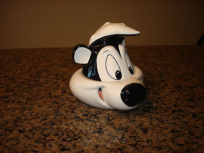 Pepe Le Pew Skunk  Warner Brothers Looney Tunes Container with lid