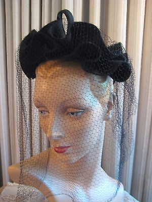 Lovely 40's Black Felt Hat With Double Top Ruffle, Bow & Veil