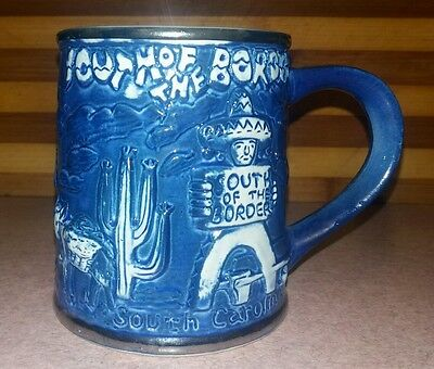 """Vintage """"SOUTH OF THE BORDER"""" Mug In Excellent Condition"""
