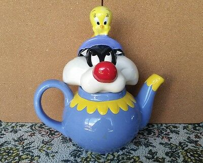 Sylvester And Tweety Bird Teapot. Collectible Warners Brothers