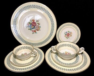 Wedgwood Woodstock 8 Pieces Plate/ Dinner Setting(s) England Bone China