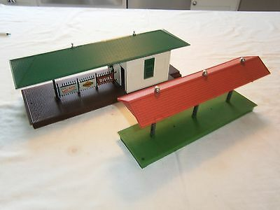 LIONEL 256 Illuminated Freight Station and Platform 2156  0 scale