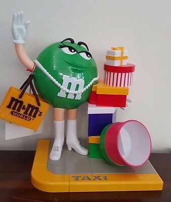 Green M & M's Taxi - M & M World, Shanghai
