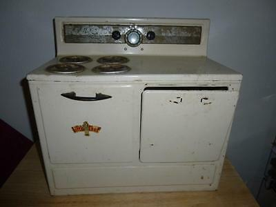 LITTLE CHEF 1950s Metal Toy Stove - Non-Electric
