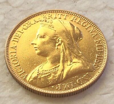 1900 victoeia veiled head Gold  Half Sovereign