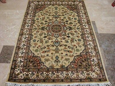 Awesome Ivory Flowers Medallion Lovely Hand Knotted Rug Wool Silk Carpet 6X4