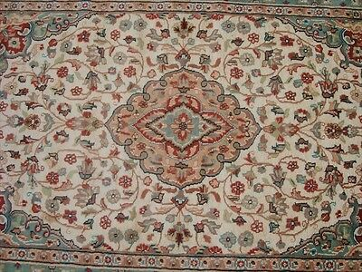 LOVELY IVORY MEDALLION HAND KNOTTED RUG WOOL SILK CARPET EXCLUSIVE 6x4 RARE