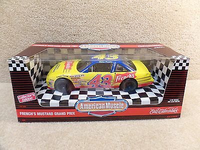 New 1995 American Muscle 1:18 Diecast NASCAR Robert Pressley French's Grand Prix