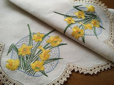Wonderful Golden Daffodils ~ Vintage Hand Embroidered Centrepiece/mat