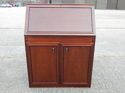 Superb mahogany bureau cabinet with writing desk flap & double cupboard under
