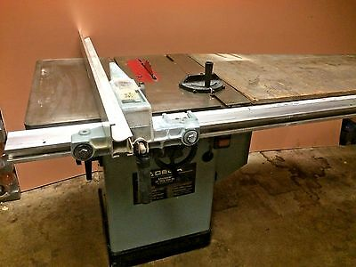 "DELTA 10'' UNISAW TABLESAW, 3 Phase, 5 HP, FENCE CAT 34-806 . 50"" Scale"
