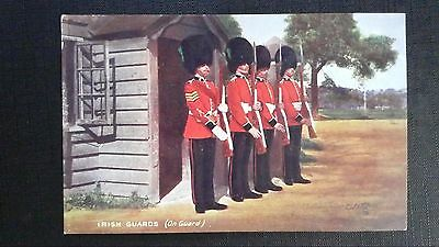 CPSM RAPHAEL TUCK & SONS' OILETTE THE IRISH GUARDS N°9431 on guard