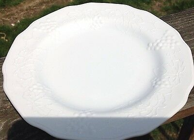Antique Mint Milk Glass Indiana Harvest Grape Salad Dessert Plates Set 4