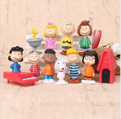 PEANUTS 12 pcs Figure Playset Cake Toppers Snoopy Charlie Lucy Franklin Toy gift