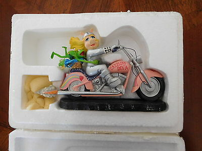 Kermit and Miss Piggy Motorcycle Ceramic Figure Collection with original packing