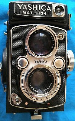 Yashica Mat 124g TLR Vintage Camera Black Very Good Condition