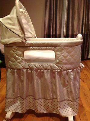 Baby bassinet Beige-LOCAL PICK UP ONLY