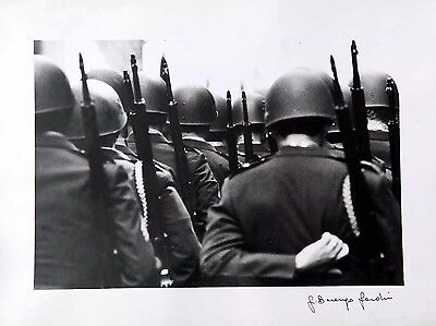 GIANNI BERENGO GARDIN  soldiers on parade New-York 1969  EXTREMLY RARE