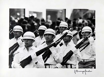 GIANNI BERENGO GARDIN  soldiers on parade   EXTREMLY RARE