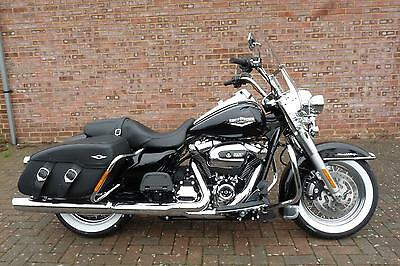 Harley-Davidson Touring FLHRC Road King Classic Milwaukee Eight 2017 *NEW*