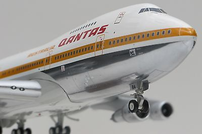 NEW 1/200 Qantas Boeing 747-200B in 1970's Ochre livery VH-EBA City of Canberra
