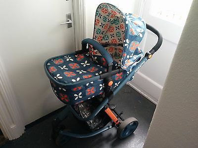 Cosatto Giggle Pram travel system (without car seat)