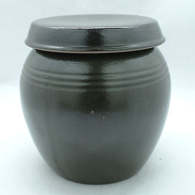 Thick earthenware jar with stripes medium pot for food storage