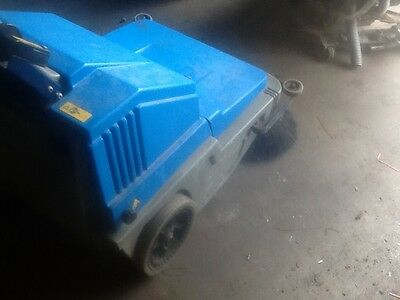 tennant nobles scout floor sweeper