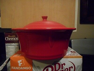 Fiesta-Covered-Casserole-w-Lid-New-Style-RED-Large-90-oz-Baker  FiestWARE