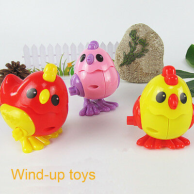 Children Classic Wind-Up Funny Clockwork shaking head Chicken Designed Kids Toys