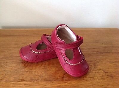 Clarks Girls First Shoes Size 4 H Good Condition