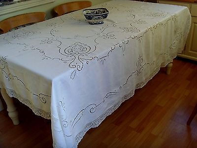 VINTAGE LARGE ITALIAN HAND EMBROIDERED TABLECLOTH POINT VENISE LACE 221cmx183cm