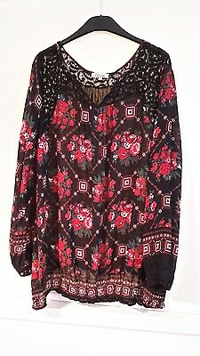 Lovely NEXT MATERNITY black /red top size 22