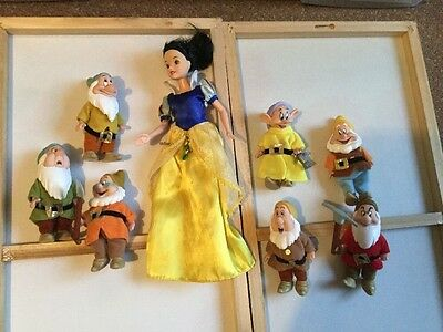 Snow White and The Seven Dwarfs Disney Simba Figures Play Set People Figurines