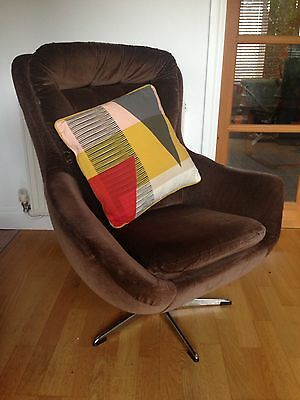 Vintage Retro Mid Century Egg / Swivel Chair 1960s 1970s Parker Knoll