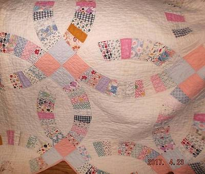 "Vintage feedsack Double Wedding Ring quilt~circa 1940's  76""x80"""