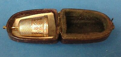 Vintage 14K GOLD THIMBLE in original leather case - 3.3 grams - hoop for charm