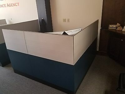 steelcase 6x6 floor supported cubicle WITH Pedestal Storage
