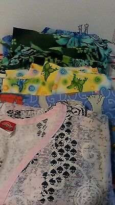 Womens scrub top lot size Medium. Nice Lot of 5 Tops!