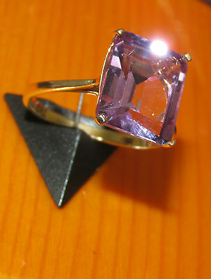 BEAUTIFUL SECONHAND  9ct YELLOW GOLD AMETHYST RING SIZE O 1/2
