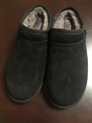 Women's Black Suede UGG Slip-on Slippers New Size 7